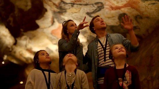 Visite des grottes de Lascaux en famille
